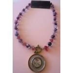 Fio Pedras com Medalhão Rosa